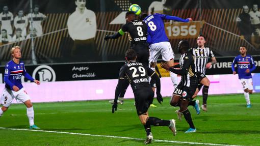 Angers - Nizza, una fase di gioco (foto tratta dal sito dell'OGC Nice)