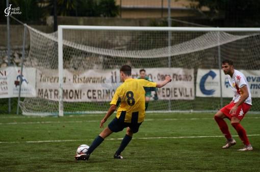 Calcio, Eccellenza: Cairese ko a sorpresa nel recupero, Privino e Cilia rilanciano la Sammargheritese (LA NUOVA CLASSIFICA)