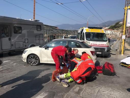 Motori. A Sanremo partecipante alla 'Due Valli' si scontra con un'auto sull'Aurelia, per fortuna lievi ferite