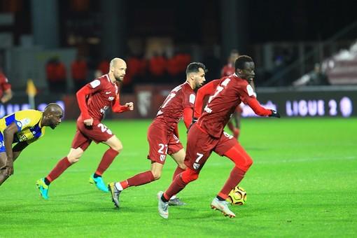 Il Metz, primo di Ligue 2 in una fase di gioco (foto tratta dal sito del Metz)