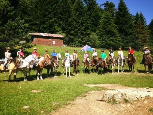 Centro Equestre Val Nervia, grandi prestazioni per tre giovani imperiesi alla finale del campionato regionale di Mercenasco
