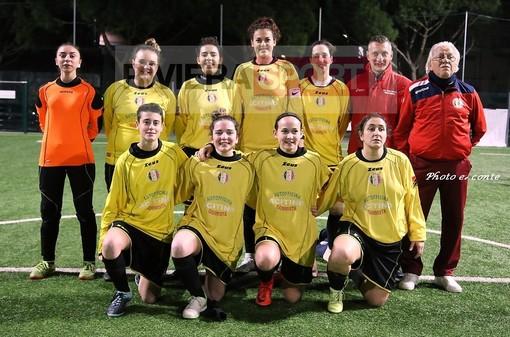 Il Don Bosco Valle Intemelia di calcio a 5 femminile (foto Eugenio Conte)