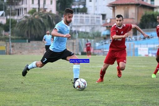Pippo Scalzi in azione con la maglia della Sanremese