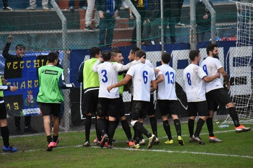 Calcio, Eccellenza. Imperia, il sogno continua: Martelli, Castagna e Costantini stendono il Rapallo