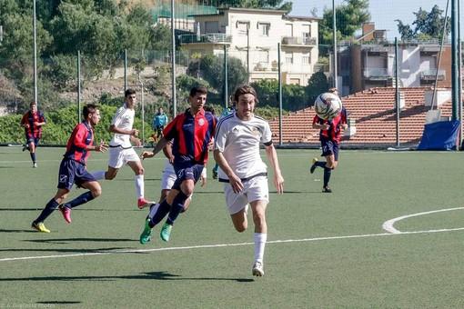 Luca Gambacorta in azione con la maglia dell'Ospedaletti: in questa stagione indosserà il giallorosso del Taggia