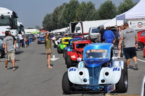 Pavia: 5° round del trofeo 'Legend Cars Italia 2018' sul circuito 'Tazio Nuvolari' di Cervesina, i sanremesi Liguori sfiorano la vittoria (Foto e Video)