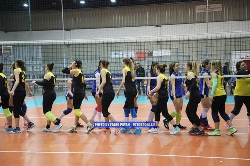 Volley, Serie C femminile. Riviviamo il derby cittadino tra NLP Sanremo e Grafiche Amadeo negli scatti di Fabio Pavan (FOTO)