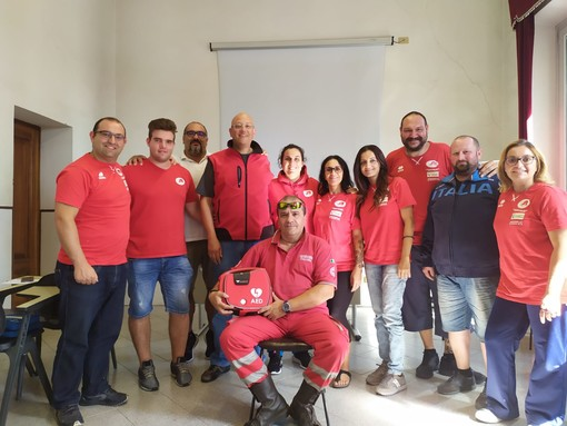 Imperia: riprende l'attività agonistica del 'Reds Rugby Team' ma c'è anche la certificazione per l'uso del defibrillatore