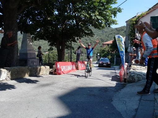 Ciclismo: alla 4a prova dello Scalatore 'Tovo Faraldi', un grandissimo Bousquet