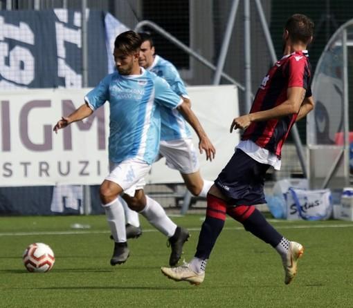 Andrea Demontis in azione con la maglia della Sanremese