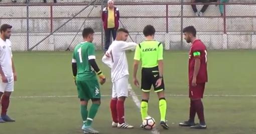 Ventimiglia e Cengio in campo prima del calcio d'inizio