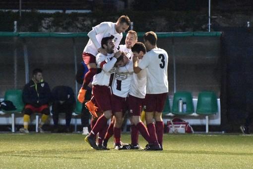 Match importante nella seconda fase della Coppa Liguria Seconda Categoria tra Vadese e Oneglia Calcio