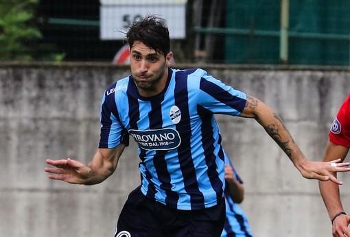Riccardo Capogna, attaccante del Lecco, sembra più lontano dalla Sanremese