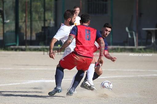 Kevin Grifo in azione con la maglia del Camporosso: il mediano dovrà stare fermo per un po' di tempo