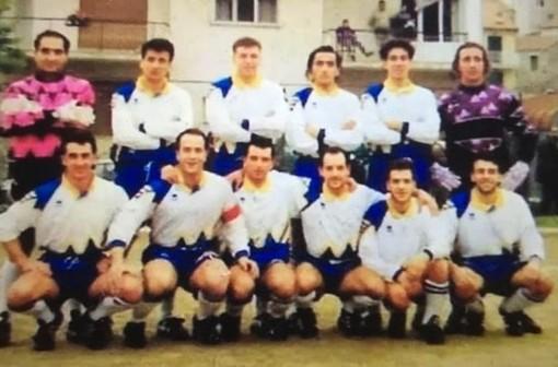 Massimiliano Mitola (secondo in basso da sinistra) capitano del San Bartolomeo negli anni '90