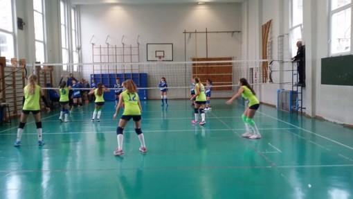 Volley. Under 14 femminile, esordio per la squadra 'Autoscuole Riunite Sanremesi e Armesi Mazzu'